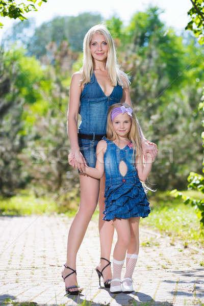 Madre hija jeans vestidos mujer Foto stock © acidgrey