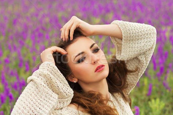 Zdjęcia stock: Dość · młodych · brunetka · portret · stwarzające · kwitnienia