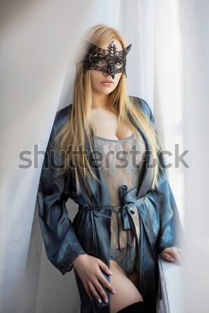 Jovem elegante mulher pistola seis retrato Foto stock © acidgrey