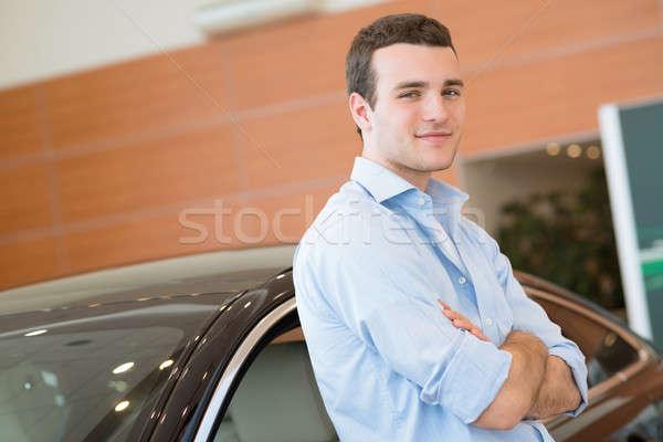человека Постоянный автомобилей выставочный зал здании Сток-фото © adam121