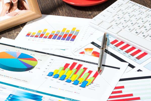 Işyeri işadamı iş belgeler büyüme Stok fotoğraf © adam121