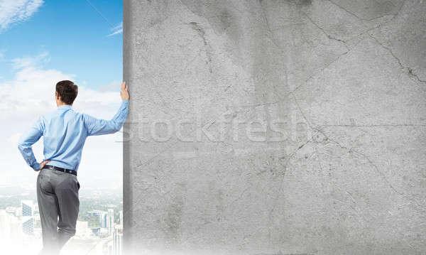 Сток-фото: парень · конкретные · пусто · баннер · бизнесмен · Постоянный