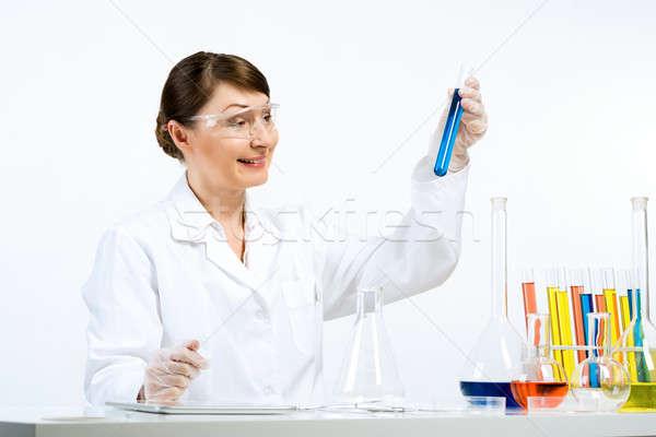 Stock fotó: Génmanipulált · csekk · vonzó · nő · tudós · készít · nő