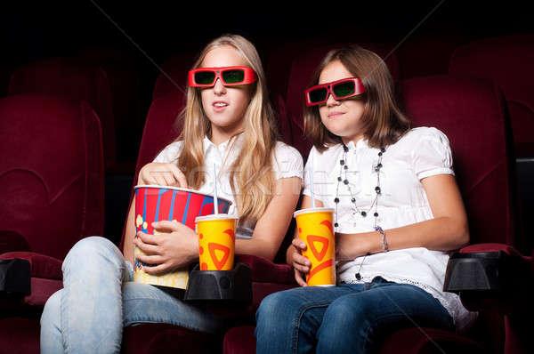 Kızlar sinema iki bakmak oturma gözlük Stok fotoğraf © adam121