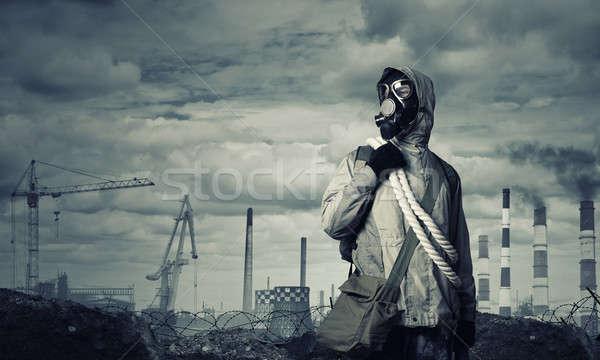 Post apocalyptische toekomst man overlevende gasmasker Stockfoto © adam121