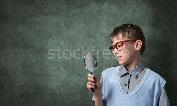 ストックフォト: 好奇心の強い · 男子生徒 · かわいい · 少年 · 見える