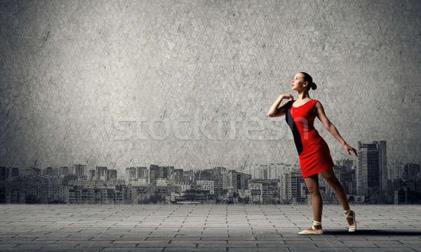 Stockfoto: Ballerina · rode · jurk · prachtig · jonge · balletdanser