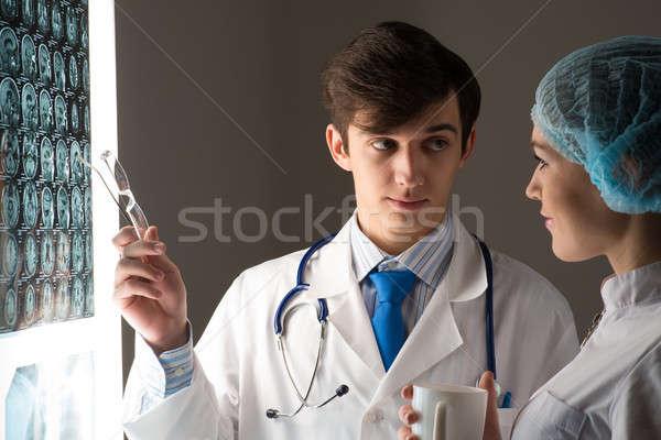 Medische collega's Xray afbeelding vast Stockfoto © adam121