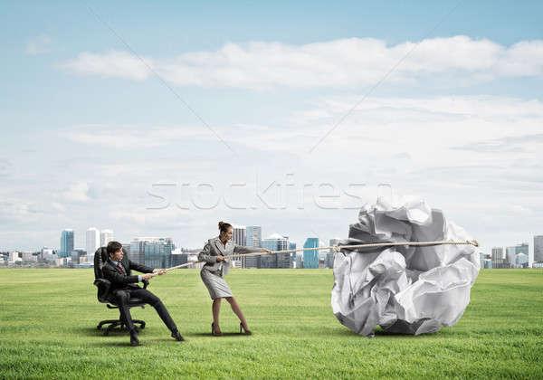 Gens d'affaires effort grand balle papier Photo stock © adam121