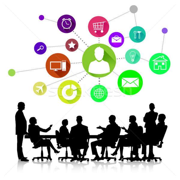 Foto stock: Reunião · de · negócios · grupo · pessoas · de · negócios · silhuetas · colorido · aplicação