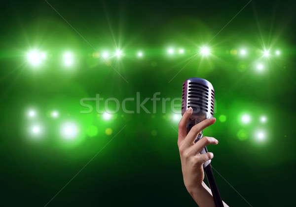 şarkıcı kadın el bulanık Stok fotoğraf © adam121