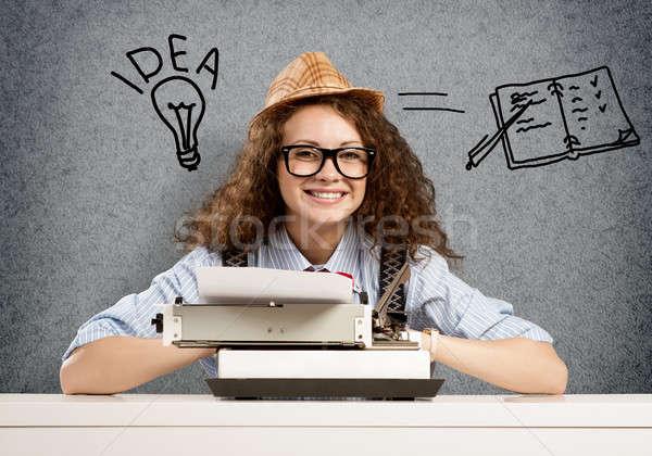 Yazar bekleme ilham genç güzel kadın yazarak Stok fotoğraf © adam121