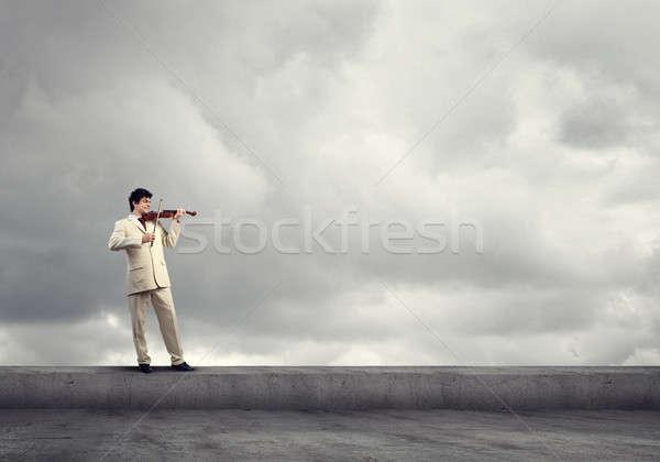 человека скрипач молодые бизнесмен крыши Top Сток-фото © adam121