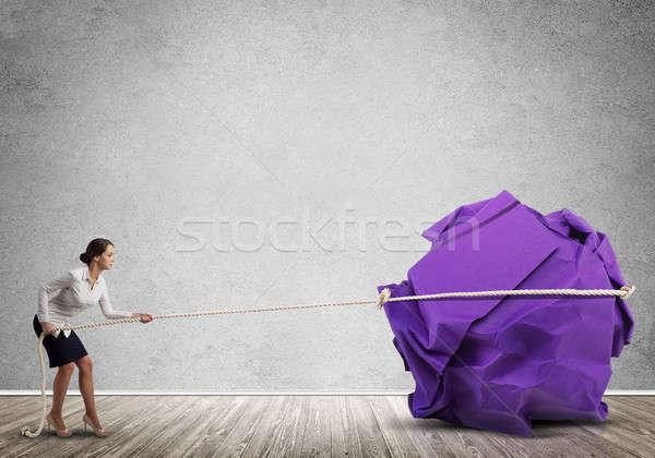 Donna sforzo grande palla carta Foto d'archivio © adam121