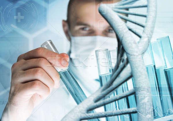 Młodych naukowiec szkła kliniczny laboratorium Zdjęcia stock © adam121