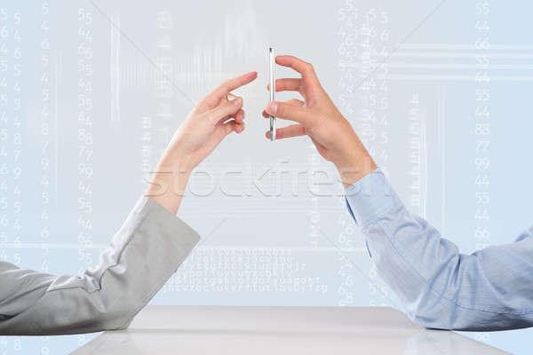 De trabajo cohesión gente de negocios manos teléfono móvil Foto stock © adam121