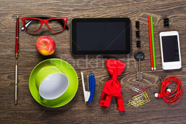 Mesa naturaleza muerta taza café tableta teléfono Foto stock © adam121