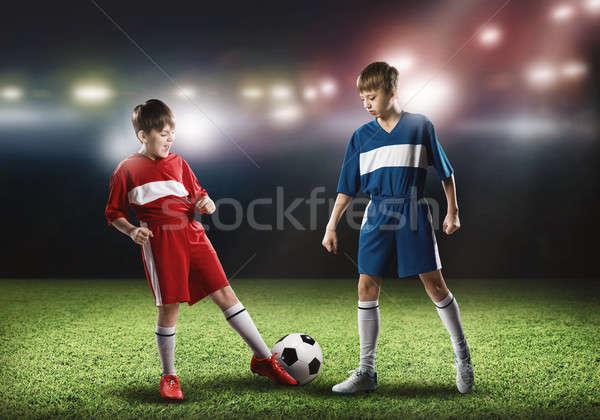 Partido de fútbol dos ninos escuela edad jugando Foto stock © adam121