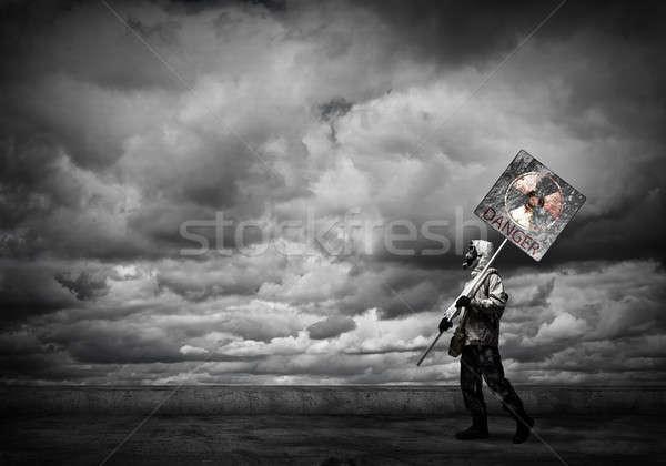 Apokalipszis szerencsétlenség gázmaszk óvintézkedés veszély tábla férfi Stock fotó © adam121