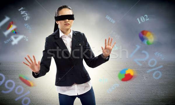 Fiatal bekötött szemű nő konzerv nem talál Stock fotó © adam121