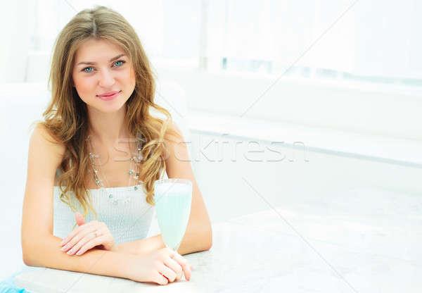 Portrait cute femme ville café urbaine Photo stock © adam121