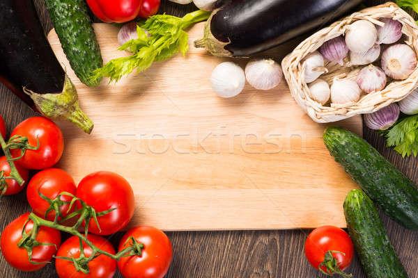 Hortalizas cocina bordo tomates pepino ajo Foto stock © adam121