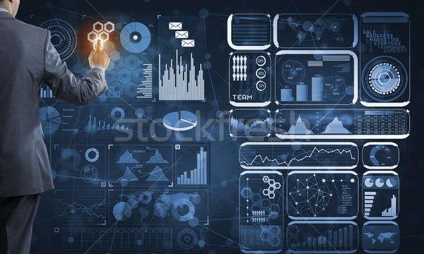 Innovador tecnología negocios vista posterior empresario de trabajo Foto stock © adam121