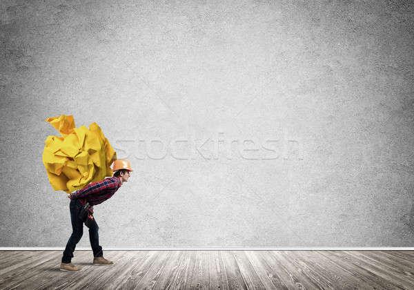 Mérnök férfi szállít rakomány építész hordoz Stock fotó © adam121