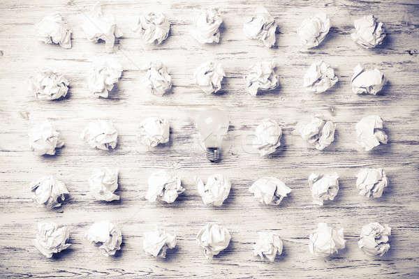 Exceptionnel lumineuses idée beaucoup papier Photo stock © adam121