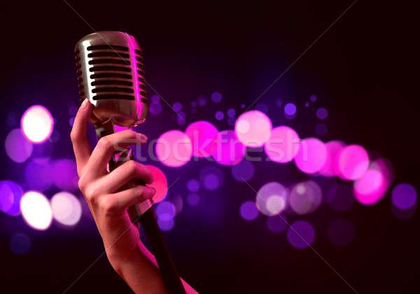 Popularny piosenkarka kobiet strony zamazany Zdjęcia stock © adam121