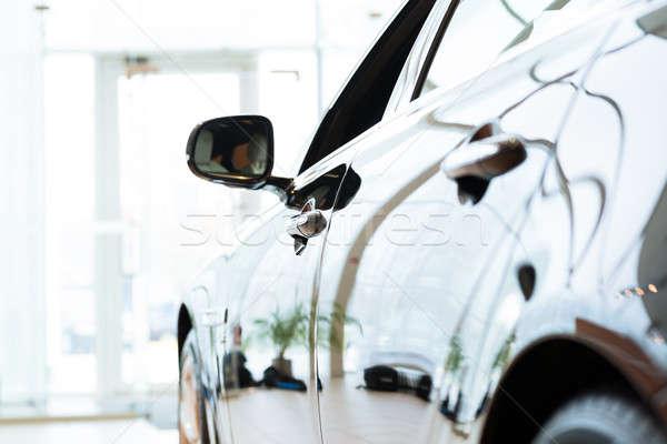 Modernes voiture coûteux noir salle d'exposition affaires Photo stock © adam121