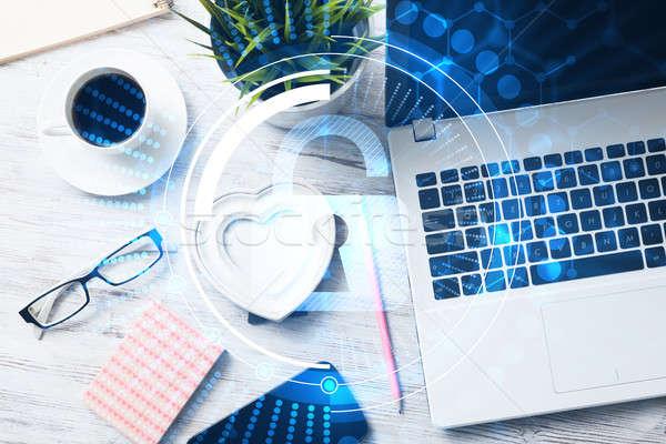 Negócio local de trabalho laptop xícara de café segurança tela Foto stock © adam121