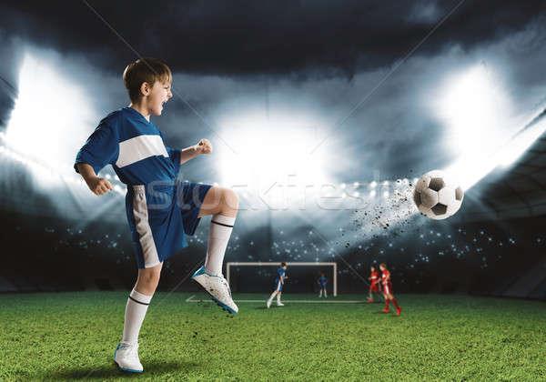 Stockfoto: Jonge · voetbal · kampioen · opgewonden · jongen · voetballer