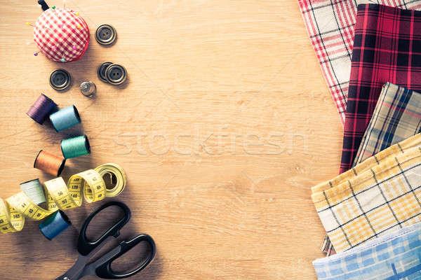 Varr készlet asztal öreg olló anyag Stock fotó © adam121