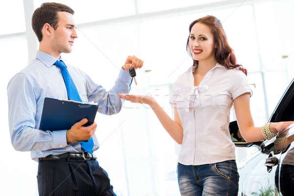買い 新しい車 きれいな女性 キー 販売 マネージャ ストックフォト © adam121