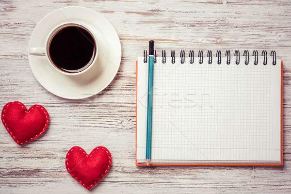Vallomás valentin nap kávéscsésze jegyzettömb toll kettő Stock fotó © adam121