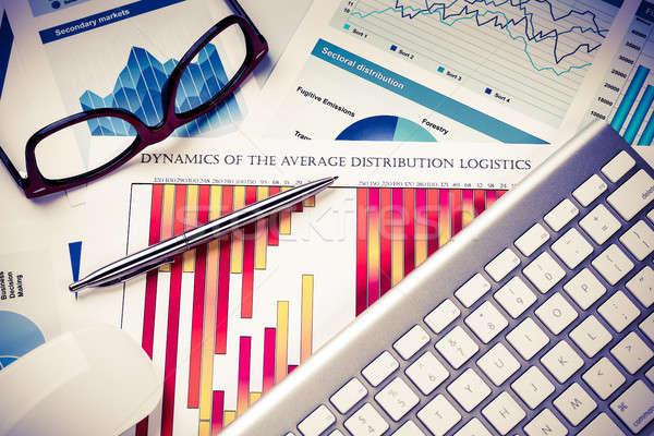 среднее продажи докладе бизнеса месте клавиатура Сток-фото © adam121