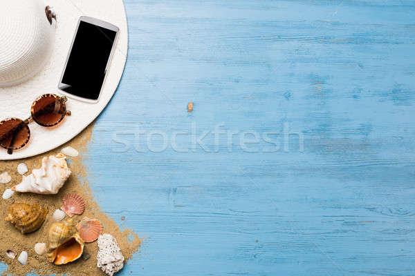Zomer objecten vakantie strohoed zonnebril smartphone Stockfoto © adam121