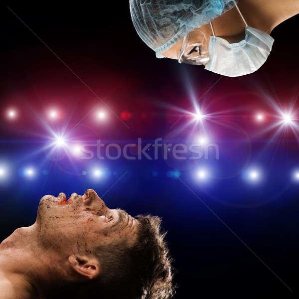 負傷者 男 医師 画像 応急処置 健康 ストックフォト © adam121
