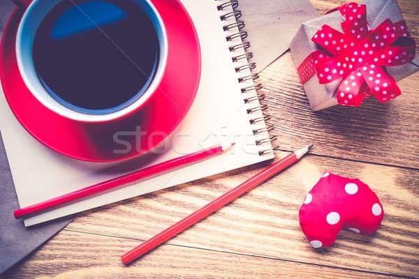 Schrijven liefde bekentenis notepad koffiekopje harten Stockfoto © adam121