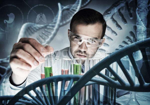 Foto stock: Jovem · cientista · vidro · clínico