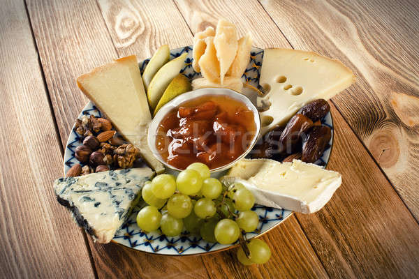 ストックフォト: チーズ · プレート · 異なる · 子供 · ブドウ · ナッツ