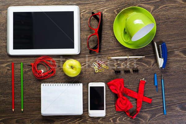 Tablo natürmort fincan kahve tablet telefon Stok fotoğraf © adam121