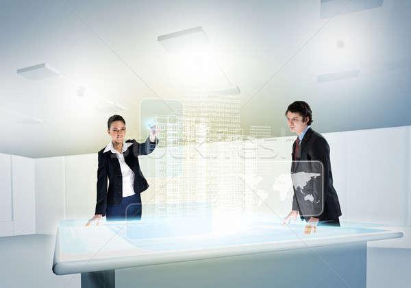 Innovativo due guardando ologramma Foto d'archivio © adam121