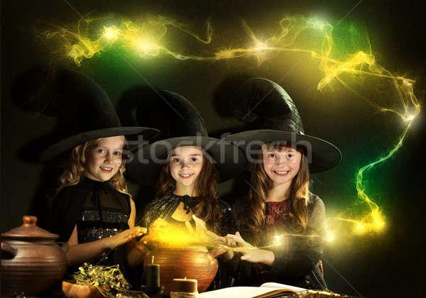 Três pequeno halloween leitura magia livro Foto stock © adam121