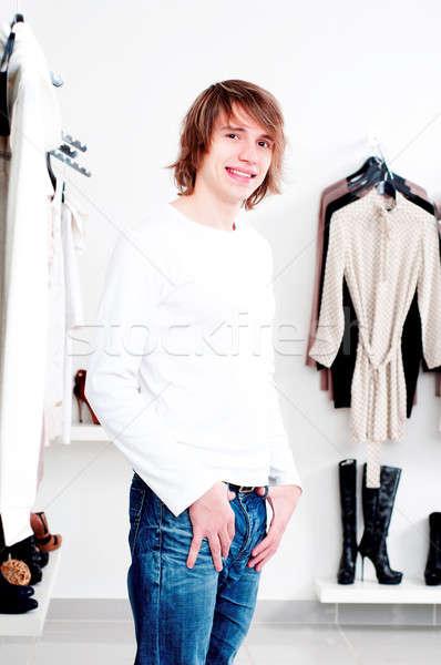 Winkelen man winkel kleding glimlacht gelukkig Stockfoto © adam121