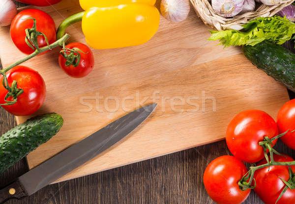 gem se k che bord tomaten gurken knoblauch stock foto aleksandr khakimullin. Black Bedroom Furniture Sets. Home Design Ideas
