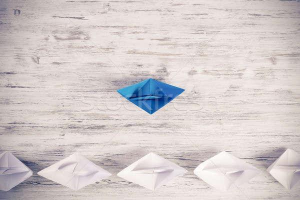 Negocios establecer origami barcos mesa de madera Foto stock © adam121