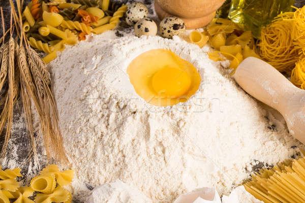 Un yumurta buğday tadını çıkarmak ev yapımı gıda Stok fotoğraf © adam121