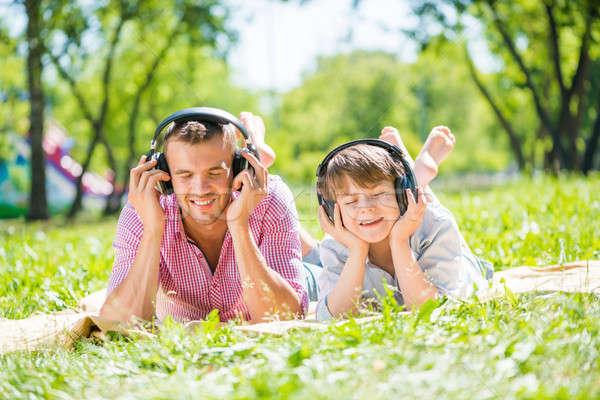 Vader zoon park vader kid zomer genieten Stockfoto © adam121